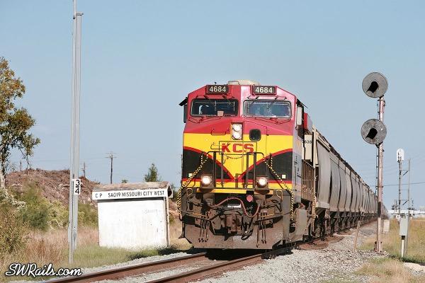KCS grain train at Missouri City, TX