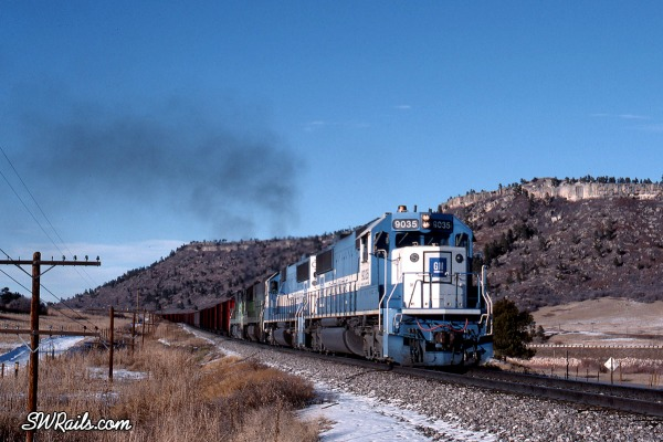 BN Coal train with Oakway SD60's at larkspur,CO