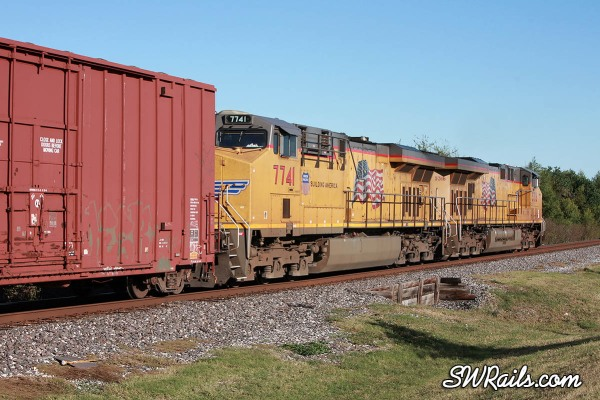 DPU's on UP QEWWC freight train in Stafford, Texas
