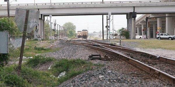 UP trains at heacker TX