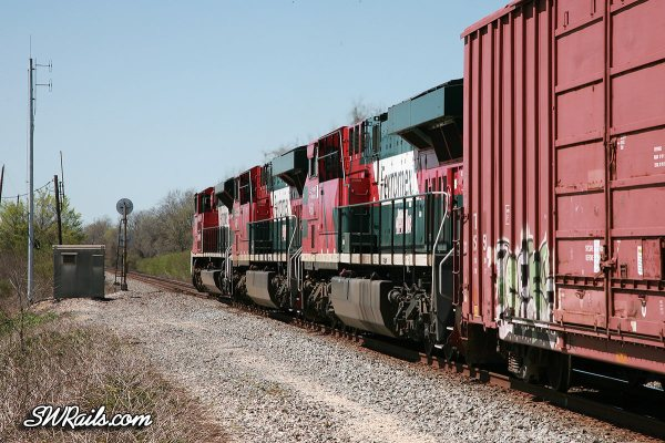 FXE SD70ACe 4047 at Harlem TX on MHOEG UP freight