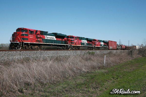 FXE SD70ACe 4047 at Rosenberg TX