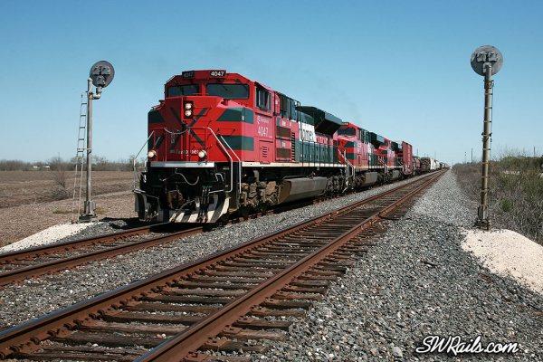 Ferromex SD70ACe 4047 at Rosenberg TX