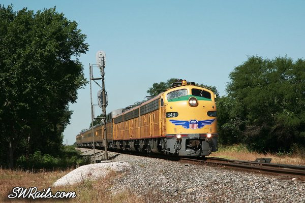 Union Pacific E9 949 / 963B / 951 on passenger special at Glidden TX