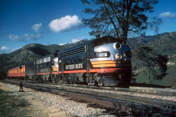 Southern Pacific train 52,  the San Joaquin Daylight passenger train at Walong CA in 1958