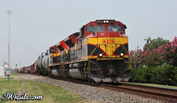 KCSM SD70ACe 4070 with an eastbound manifest train at Sugar Land, TX
