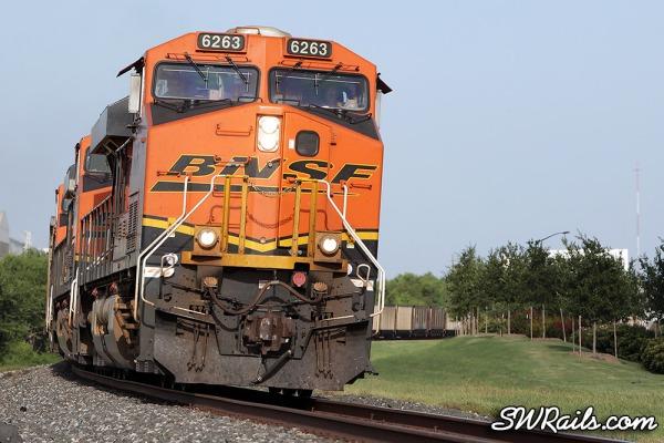 BNSF ES44AC 6263 at Sugar Land TX