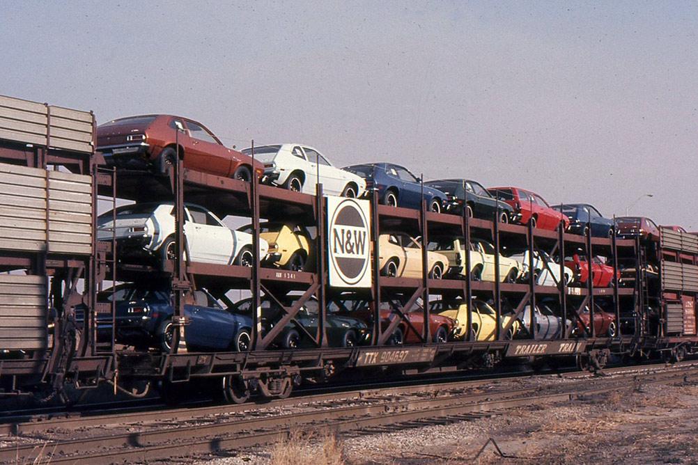 Vintage Auto Racks Southwest Rails