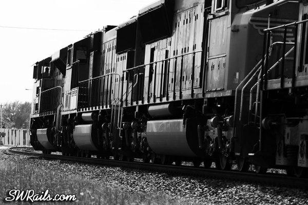 UP SD70ACe 8365 at Missouri City TX with an IHOSA intermodal train.