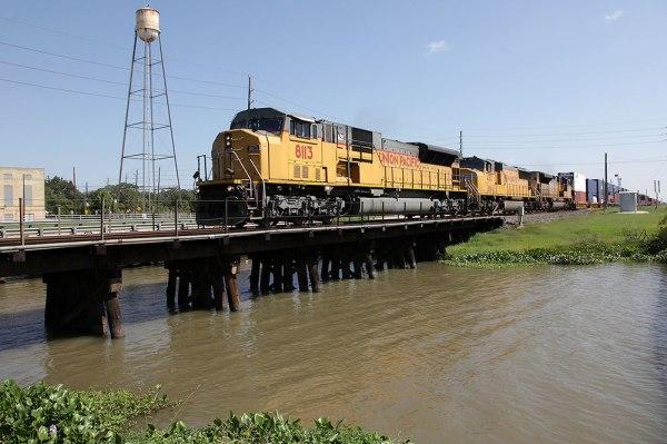 UP SD9043MAC 8113 at Sugar Land, TX