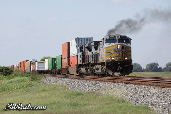 KCS AC4400CW 4612 at Sugar Land TX