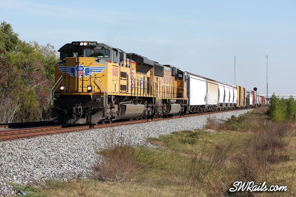 Union Pacific SD70ACe 8408 at Missouri City TX with freight train MEWEG-21 on 11/21/2012