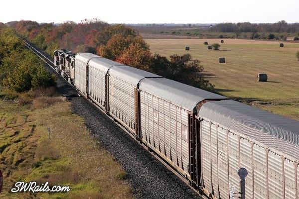 FXE 4614 leads UP's MEWEG train at Rosenberg TX