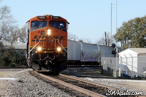 BNSF 7205 at Manchester Jct in Houston TX