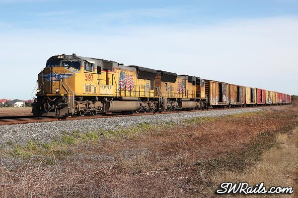 Union Pacific SD70M 5193 at Sugar Land TX