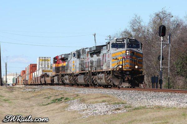 KCS AC4400CW 4590 at Stafford TX