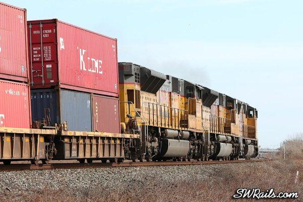 UP  ILBEW train at Sugar Land TX