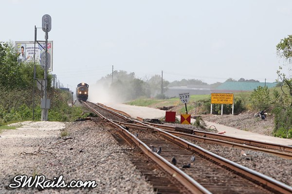 UP SD70M 3940 on LHT43 local at Heacker TX