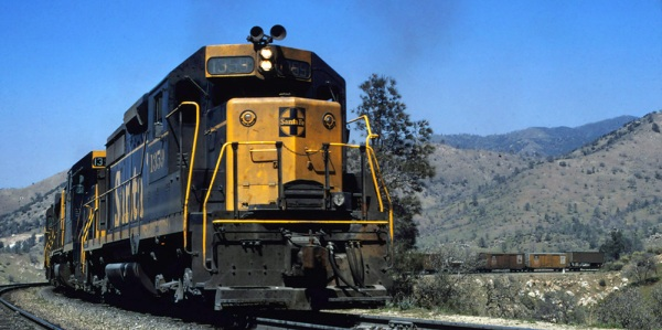 ATSF GP35 1359 Walong (Tehachapi Loop) in  April 1968