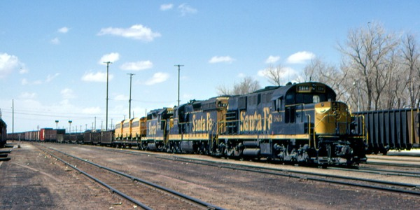 ATSF RSD 15 9814 at Winslow AZ in April 1973