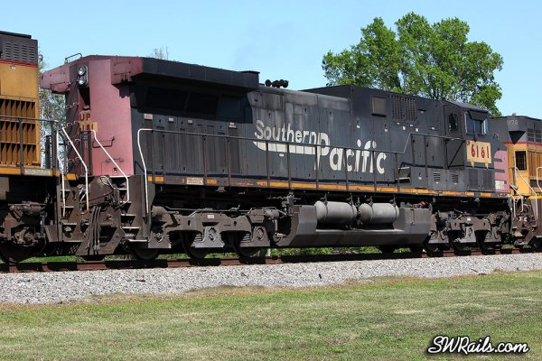 Union Pacific AC4400CW 6181 still in Southern Pacific colors