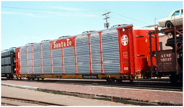TTX 852838, 89' flat car with ATSF auto rack at Topeka in 1979