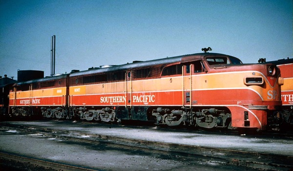 SP PA1's 6067 and 6078, formerly SSW 300 and 301, at Los Angeles' Taylor Yard roundhouse