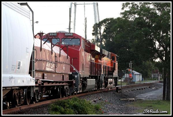 BNSF ES44DC 7909 and CP ES44AC 8940 at Richmond TX