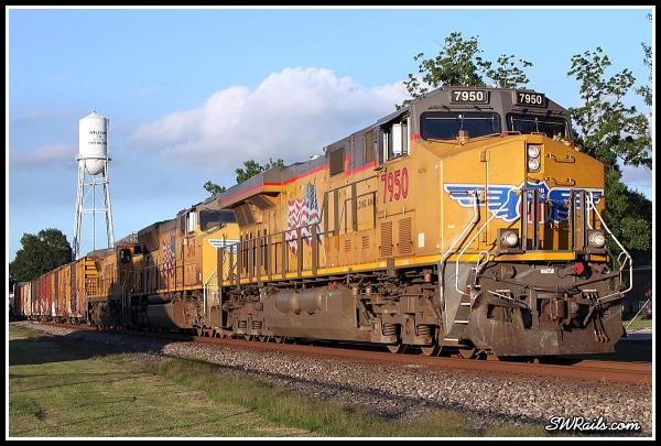 UP ES44AC 7950 on QEWWC train at Richmond TX