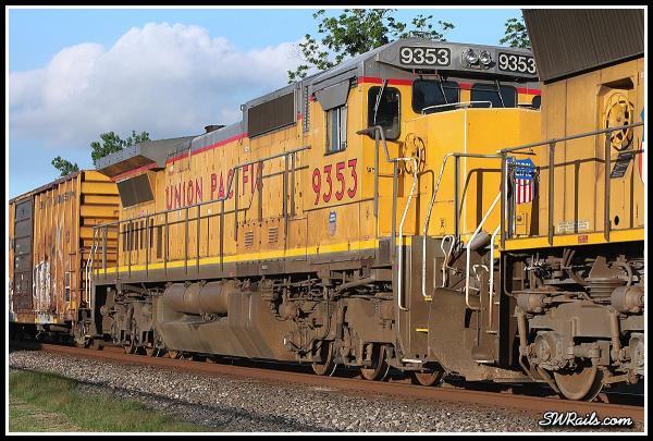 UP C40-8 9353 on QEWWC train at Richmond TX