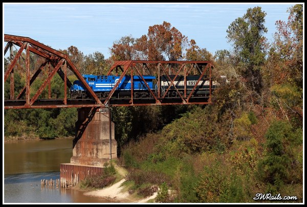 NS 8098, Conrail heritage unit. on BNSF oil train at Richmond  TX